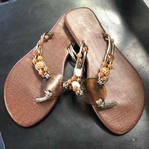 ❗️3/$15❗️ EUC T-Strap Sandals